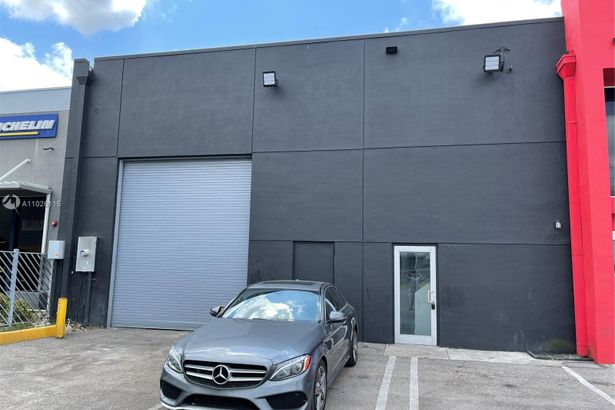 8330 NW 58th St