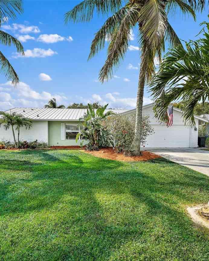 8935 SE Bahama Cir, Hobe Sound, FL, 33455,