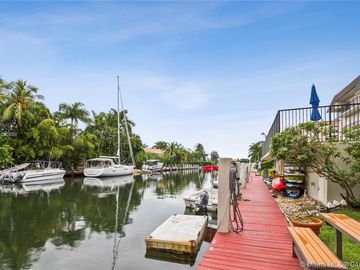 6815 Edgewater Dr #305, Coral Gables, FL, 33133,