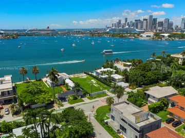1320 S Venetian Way, Miami, FL, 33139,
