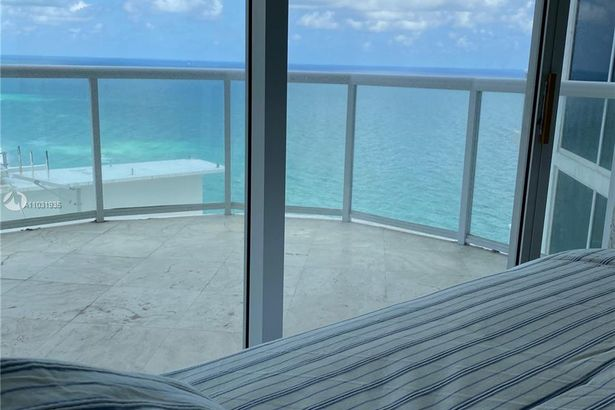 18671 Collins Ave #3102