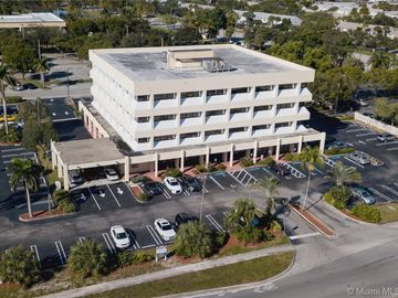 351 S Cypress Rd #210C, Pompano Beach, FL, 33060,
