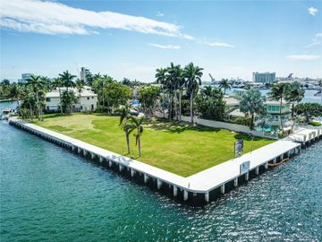 2401 Laguna Dr, Fort Lauderdale, FL, 33316,