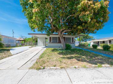 1108 W 27th St, Riviera Beach, FL, 33404,