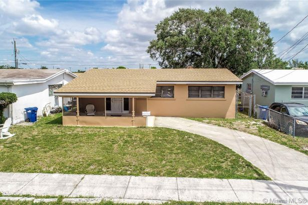1621 NW 154th St