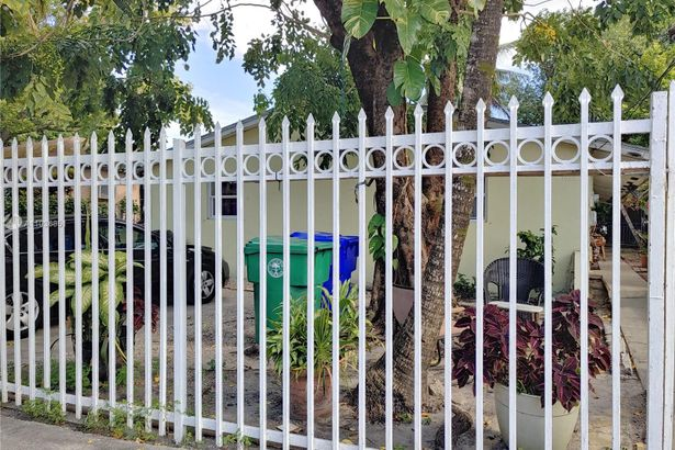 1060 NW 31st St