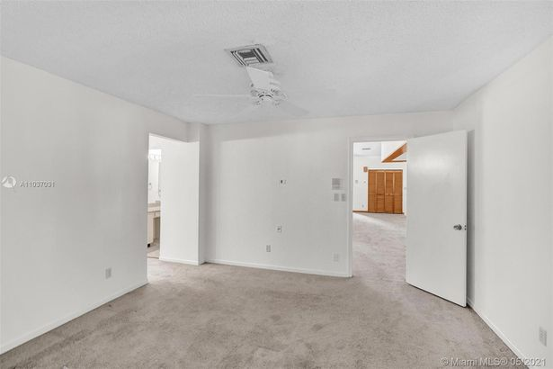 339 Ives Dairy Rd #39-3