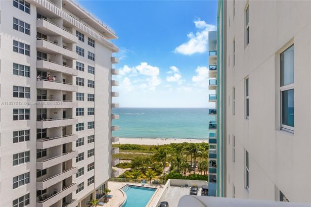 9201 Collins Ave #821