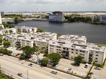 5505 NW 7th St #W301, Miami, FL, 33126,