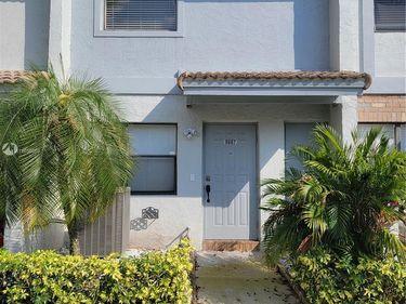 9887 Riverside Dr #11-21, Coral Springs, FL, 33071,