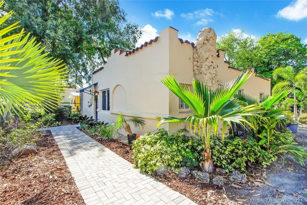 1316 NW 75th Ter