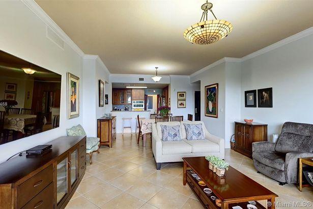 50 Alhambra Cir #401
