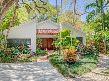 3574 Avocado Ave, Miami, FL, 33133,