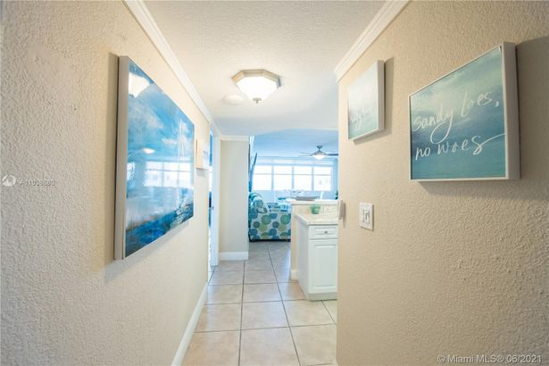 6039 Collins Ave #1519
