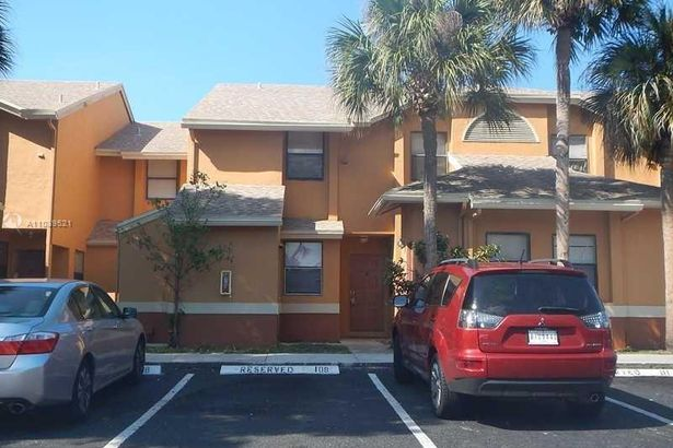 2481 NW 56th Ave #9-16