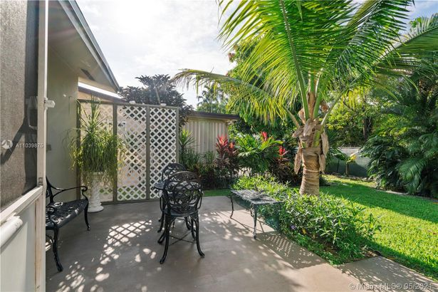 4500 NW 44th St