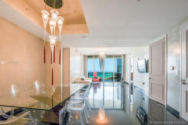 18101 Collins Ave #1502