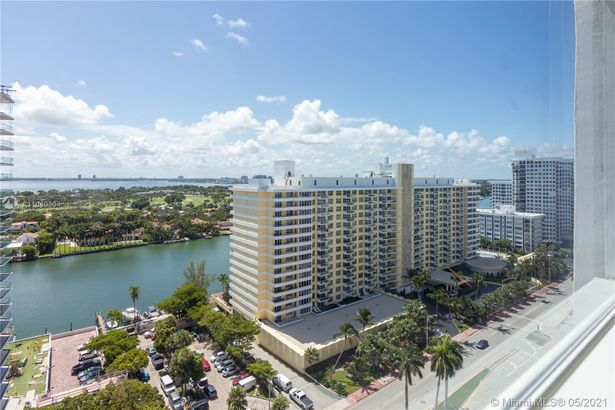 5445 Collins Ave #1518