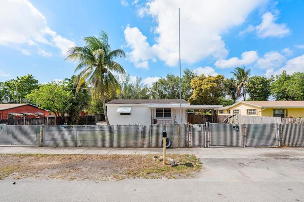 1450 NW 112th St