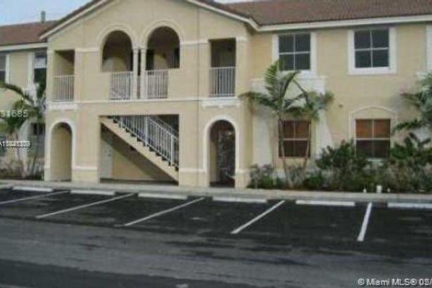 2461 SE 16th Terrace #103