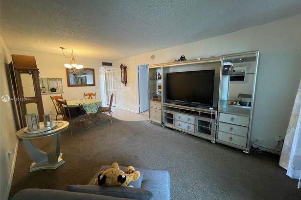 3050 Holiday Springs Blvd #207