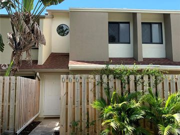 305 City View Dr, Fort Lauderdale, FL, 33311,
