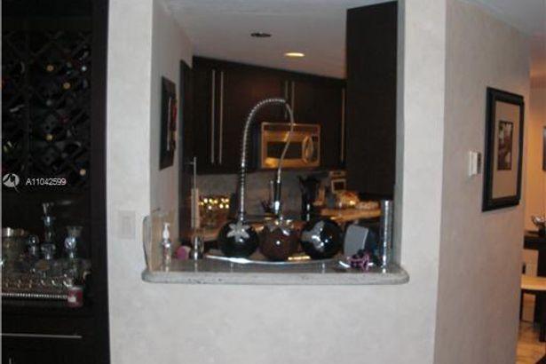 701 Brickell Key Blvd #412