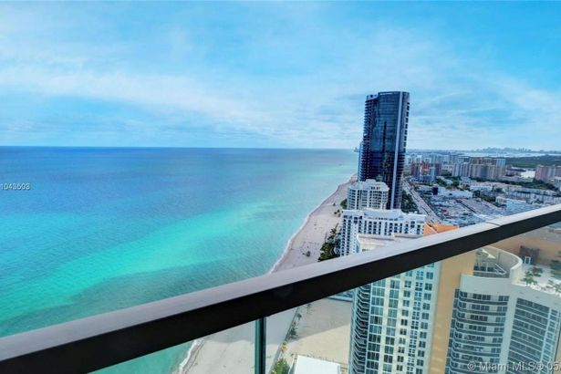 18975 Collins Ave #4001