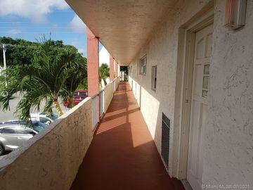 681 S Hollybrook Dr #206, Pembroke Pines, FL, 33025,