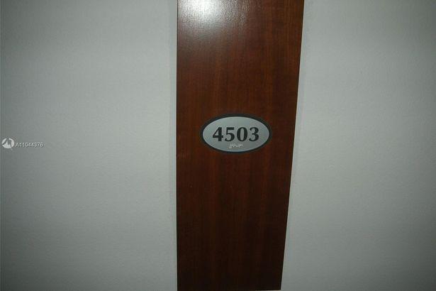1750 N Bayshore Dr #4503