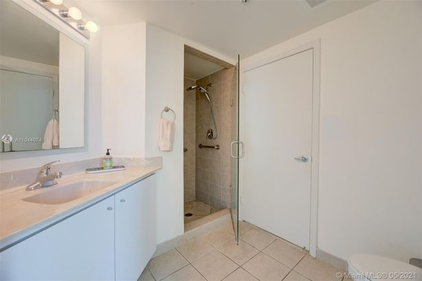 9055 SW 73rd Ct #1209