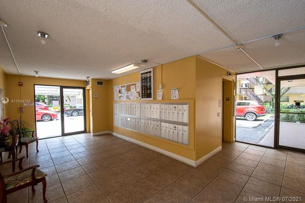 6755 W Broward Blvd #409