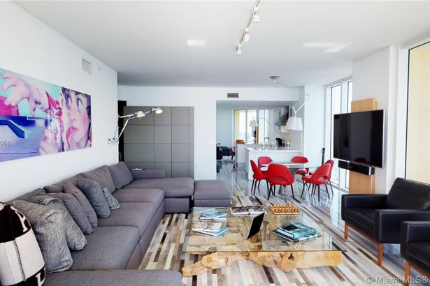 17875 Collins Ave #3101