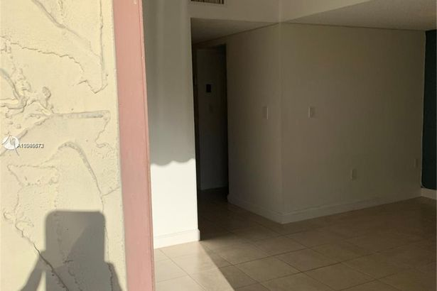 300 NW 42nd Ave #101