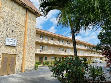 3501 NW 47th Ave #612, Lauderdale Lakes, FL, 33319,