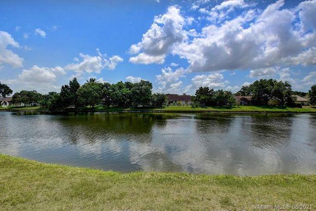 5706 Lake George Place