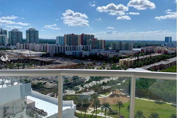 17315 Collins Ave #1805