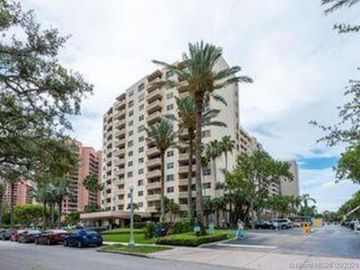 90 Edgewater Dr #606, Coral Gables, FL, 33133,