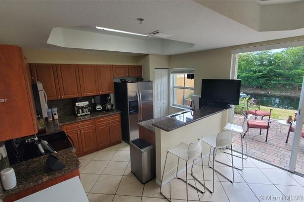 959 SW 143rd Ave #1504