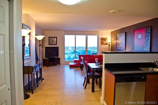 2301 Collins Ave #837