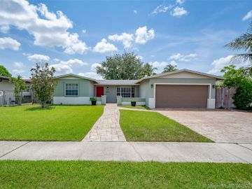 1810 NW 95th Ave, Pembroke Pines, FL, 33024,