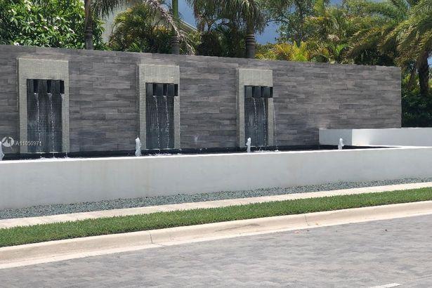 4336 Veleiros Ave