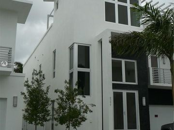 3467 NW 82nd Ct, Doral, FL, 33122,