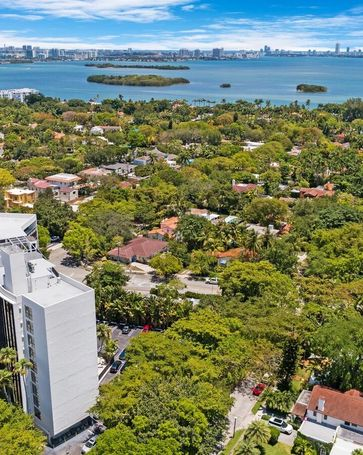 5701 Biscayne Blvd #PH-9 Miami, FL, 33137