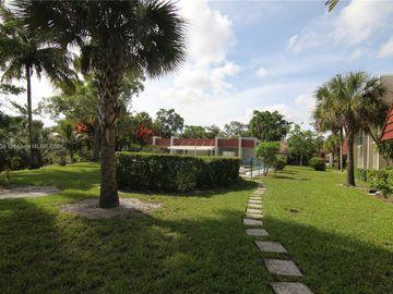 21 Jacaranda Country Club Dr #224, Plantation, FL, 33324,
