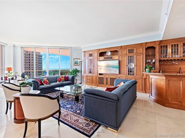 60 Edgewater Dr #11F, Coral Gables, FL, 33133,