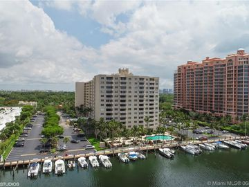 90 Edgewater Dr #602, Coral Gables, FL, 33133,