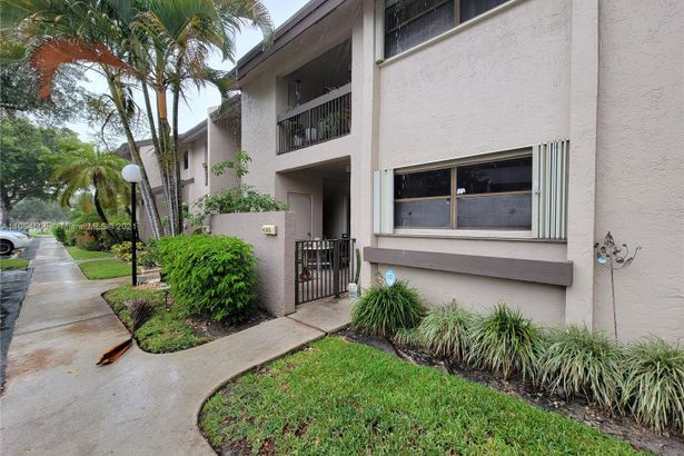 4085 NW 22nd St #224D