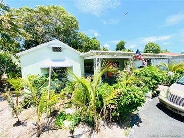 3805 Paseo Andalusia, West Palm Beach, FL, 33405,