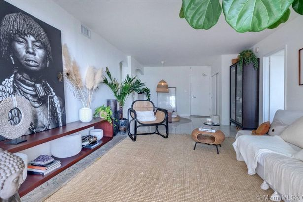 5151 Collins Ave #1126